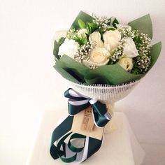 Bouquet fresh flower design by The Peony Phuket Flower Shop contact call +66985193676