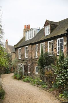 Pretty Houses in Chiswick, London
