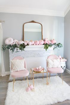 5 Step Ombre Pumpkin Decor Tutorial is part of Room Decor DIY Pink - If I had endless free time, I would work on DIY projects all day everyday The reality is, this is the first holiday season in about 5 years since I have had any time to… Fall Home Decor, Autumn Home, Diy Home Decor, Autumn Diy Room Decor, Pastel Home Decor, Pink Pumpkins, Painted Pumpkins, Halloween Rose, Classy Halloween