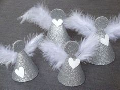 Christmas Decoration Tutorial: Angels (Creative Hobbies) - - Angels We Have Heard. Diy Christmas Ornaments, Christmas Angels, Christmas Art, Christmas Projects, Holiday Crafts, Christmas Wreaths, Diy And Crafts, Crafts For Kids, Angel Crafts