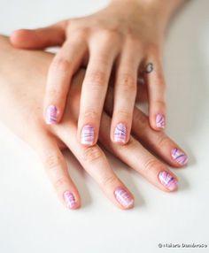Unhas marmorizadas: siga o passo a passo e aprenda a fazer a nail art super divertida