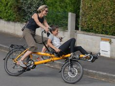 That's the way to tandem. The Hase Pino putsa the stoker up front and gives them a view. Tandem Bicycle, Recumbent Bicycle, Bicycle Art, Bicycle Design, Bicicleta Tandem, Bmx, Mountain Biking, Velo Cargo, Biker