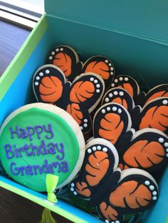 Butterfly Birthday Royal Icing Sugar Cookies by @cookiesbykatewi #butterflies #birthday #monarch #cookiedecoration