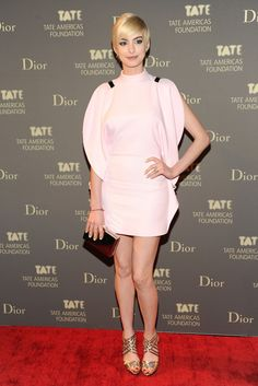 Anne Hathaway attends the Tate Americas Foundation Artists Dinner at Skylight Studios at Moynihan Station on May 8, 2013 in New York City.  Couture: Givenchy.