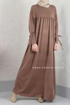 Abaya Fashion, Modest Fashion, Fashion Dresses, Abaya Mode, Mode Hijab, Hijab Style Dress, Hijab Chic, Moslem Fashion, Abaya Designs