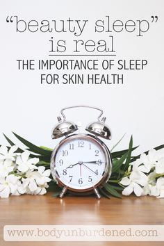 """'Beauty Sleep' Is Real: The Importance of Sleep for Skin Health """"Beauty sleep"""" is no joke! Sleep is extremely important for skin health - to keep skin naturally clear and prevent premature aging. All Natural Skin Care, Anti Aging Skin Care, Natural Beauty, Natural Sleep, Organic Beauty, Holistic Remedies, Natural Remedies, Hair Remedies, Health Remedies"""