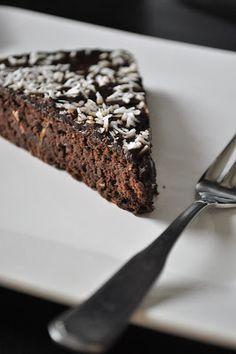 Maijan makia: Suklaakakku mustapavuista (maidoton, gluteeniton)