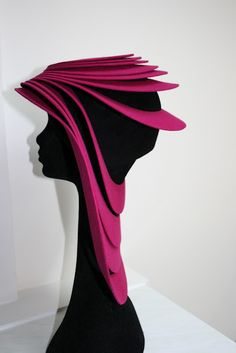 Marianne Jongkind hat. I like it. hope to incorporate it into an outfit some fine day