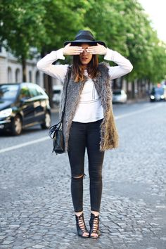what-id-wear:  What I'd Wear: The Outfit Database (source: Dulceida )