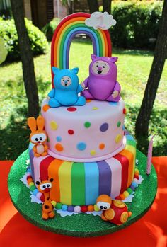 Awesome cake at a Rainbow and Animals Birthday Party! See more party ideas at CatchMyParty! Geweldige cake op een Rainbow and Animals Birthday Party! Cute Birthday Cakes, Baby 1st Birthday, Rainbow Birthday, Animal Birthday, Birthday Parties, Billy Bambam, Baby Tv Cake, Aaliyah Birthday, Fantasy Cake
