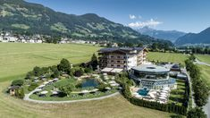 Sommer im Zillertal Held, Golf Courses, Mansions, House Styles, Summer Vacations, Manor Houses, Villas, Mansion, Palaces