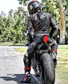only if you want speed / photo of bikes / tricks / hotter / girls on moto / welcome gentlemen Female Motorcycle Riders, Motorcycle Suit, Moto Bike, Motorcycle Leather, Motorbike Girl, Yamaha Sport, Yamaha Bikes, Yamaha Yzf, Motard Sexy
