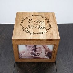 DIY your photo charms, compatible with Pandora bracelets. Make your gifts special. Make your life special! This personalized photo box is a perfect Anniversary Gift, made from Oak and space for four photos Golden Anniversary Gifts, 60 Wedding Anniversary, Personalized Anniversary Gifts, Anniversary Photos, Anniversary Gifts For Couples, In China, Wooden Photo Box, Gifts For Your Boyfriend, Gadget Gifts