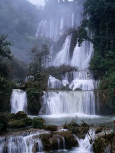 Nam Tok Thilawsu Waterfalls, Um Phang, Thailand...  What a fantastic waterfall :) I want to go there!