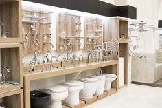 bigolin Bar Design, Design Studio, Store Design, Design Ideas, Showroom Interior Design, Tile Showroom, Cutting Edge Stencils, Electrical Shop, Kitchen And Bath Showroom