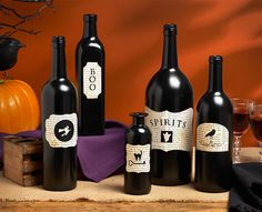 Gothic Halloween Bottles - click thru for the full DIY tutorial Halloween Bottles, Halloween Items, Halloween Pictures, Diy Halloween Decorations, Halloween Crafts, Holiday Crafts, Holiday Fun, Holiday Ideas, Fall Crafts