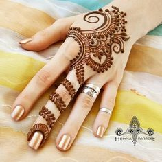 Mehndi Designs For hands - we made a detailed guide of mehndi designs for hands that can help you decide your upcoming mehendi look! Finger Henna Designs, Mehndi Designs For Fingers, Mehndi Art Designs, Latest Mehndi Designs, Simple Mehndi Designs, Henna Tattoo Designs, Tattoo Ideas, Henna Tatoos, Tattoos Om