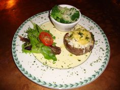 8OZ FILET W/ GOUDA CHEESE & LUMP CRABMEAT: Hand-Trimmed King Of Steaks!