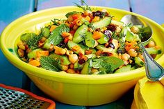 Unser beliebtes Rezept für Möhren-Gurken-Salat und mehr als 55.000 weitere kostenlose Rezepte auf LECKER.de.