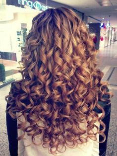 Blonde Curls - now if only this could be achieved without a curling iron