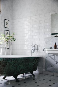 Villa strömsfors och lanseringen av L´hôtel - Lovely Life - pins Modern Bathroom, Small Bathroom, Master Bathroom, Relaxing Bathroom, Villa, Master Bath Remodel, Dream Home Design, Decorative Storage, Dream Bathrooms