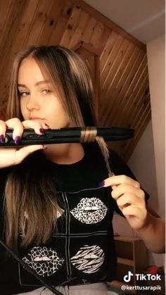 easy curls - All About Hair Easy Hairstyles For Long Hair, Curled Hairstyles, Girl Hairstyles, Hairstyles 2016, Curling Iron Hairstyles, Hairstyles Videos, Hairstyles For Concerts, Simple Homecoming Hairstyles, Cute Fall Hairstyles