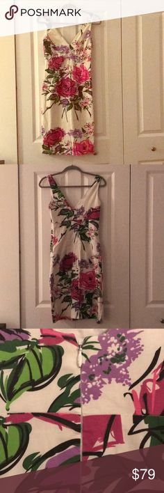 Nicole Miller Collection floral dress Can be dressed up to a formal wedding or with casual sandals. Size 2. Material has a bit of stretch. In excellent used condition. Made in USA. Nicole Miller Dresses Midi
