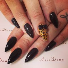 #asiesalonsandiego#asiedena#nailsbydena#stiletto