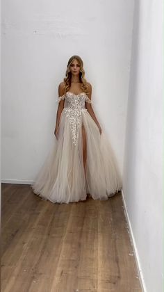 Rustic Wedding Dresses, Wedding Dress Trends, Dream Wedding Dresses, Boho Wedding, Bridal Dresses, Wedding Gowns, Wedding Shot, Wedding Music, Grunge Wedding