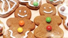 Gingerbread Men— for the fun of it! By Southfacin' Cook Patsy Brumfield Years ago, my mother got a yen for English afternoon tea and was given a cookbook with recipes for scones, gingerbread, biscu… Gingerbread Men, Gingerbread Cookies, English Afternoon Tea, Royal Icing, Tray Bakes, Real Food Recipes, Stay Fresh, Sweet Treats, Sweets