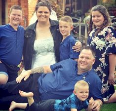 Young family destroyed as thugs assassinate father in front of them Graeme Smith, Hamburger Sv, Wrong Person, Young Family, Single Women, Father, Product Launch, Beautiful, Pai
