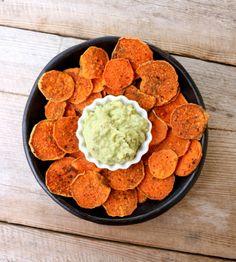 Hei og god tirsdag! Søtpotetsnack med guacamole passer perfekt som sunn kveldssnack om man er fysen på noke litt salt...