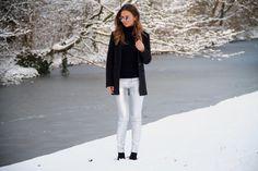 Fashion Blog Blogger Maje H&M Quay Cashmeresweater Mango Niz Cherradi Snow Winter Hair Curls