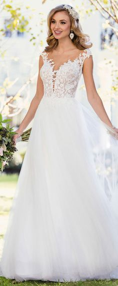 Exquisite Tulle Scoop Neckline A-line Wedding Dress With Lace Appliques