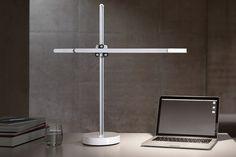 Dyson の超高性能 LED デスクランプ「CSYS」