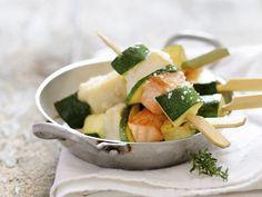 Spieße mit Fisch und Zucchini ist ein Rezept mit frischen Zutaten aus der Kategorie Meerwasserfisch. Probieren Sie dieses und weitere Rezepte von EAT SMARTER!