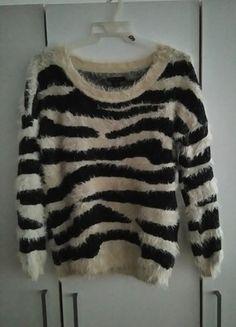 Kup mój przedmiot na #vintedpl http://www.vinted.pl/damska-odziez/dlugie-swetry/10996670-cieply-milutki-sweterek-w-paski-zebra