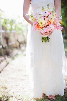 Spring backyard wedding gardengateflowersaz.com  Kelsie Pinkerton photography