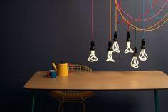 Filaments d'ampoules suspendus