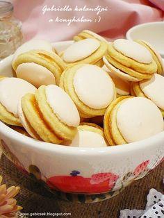 Gabriella kalandjai a konyhában :): Non plus ultra Non Plus Ultra, Hungarian Recipes, Hungarian Food, International Recipes, Almond, Cupcake, Deserts, Food And Drink, Xmas