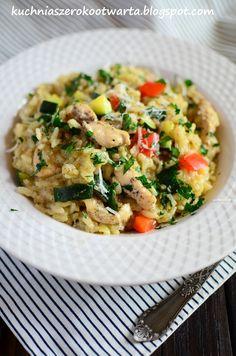 Risotto to jedno z tych mniej fotogenicznych, ale niezwykle pysznych dań :) Dziś mam dla Was przepis na risotto z warzywami i kurczakiem. To... Side Dish Recipes, Side Dishes, Food And Drink, Healthy, Ethnic Recipes, Simple, Recipies, Health, Side Dish
