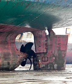 "repositoryoffunk: ""Photo by Ranjit Kandalgaonkar 2010 "" Environment Concept Art, Environment Design, Biggest Cruise Ship, Ship Breaking, Nautical Painting, Savage Worlds, Industrial Photography, Mural Wall Art, Interesting History"