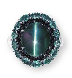 "Cymophane Cat's Eye Alexandrite and Diamond Ring - chatoyancy or the ""cat's-eye effect"" Jewelry Art, Antique Jewelry, Jewelry Rings, Jewelery, Vintage Jewelry, Fine Jewelry, Jewelry Design, Vintage Rings, Alexandrite Jewelry"