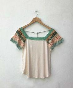 María Cielo: Paula y Agustina Ricci verano 2017 Crochet Fabric, Knit Crochet, Crochet Patterns, Girls Skirt Patterns, Crochet Fashion, Crochet Clothes, Refashion, Cool Outfits, Crochet Dresses