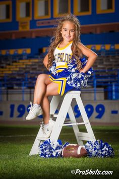 Cheerleading Picture Poses, Youth Cheerleading, Cheer Picture Poses, Cheer Poses, Cheerleading Outfits, Picture Ideas, Kids Cheering, Football Cheer, Girls Dance Costumes