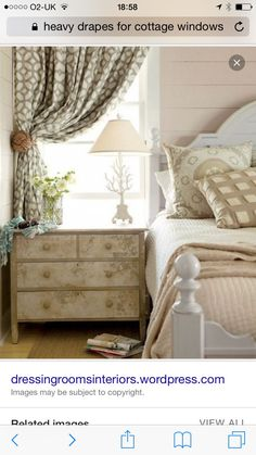 24 Magnificent Inspirations For Curtains Above Bed, Short Curtains Bedroom, No Sew Curtains, Floral Curtains, Beach Cottage Exterior, Beach Cottage Decor, Cottage Ideas, Cottage Windows, Decorative Curtain Rods