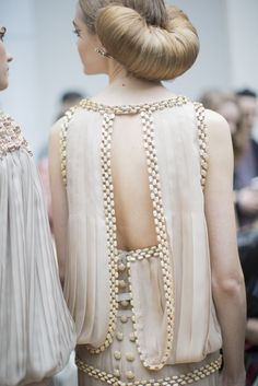 Chanel Spring 2016 Haute Couture #details #hair