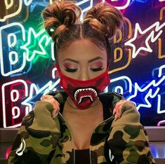 Do you like Bape? Tomboy Outfits, Cute Outfits, Edm Outfits, Coiffure Hair, Looks Instagram, Versace, Chica Cool, Thing 1, Makeup Goals