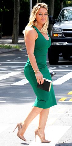 Hilary Duff Shows Off Her Curves in a Green, Body-Hugging Dress from InStyle.com