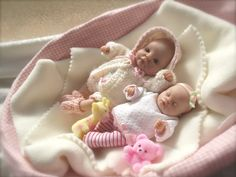 uploaded this image to See the album on Photobucket. Polymer Clay Sculptures, Polymer Clay Miniatures, Dollhouse Miniatures, Cute Baby Dolls, Newborn Baby Dolls, Barbie Doll House, Barbie Toys, Miniature Crafts, Miniature Dolls